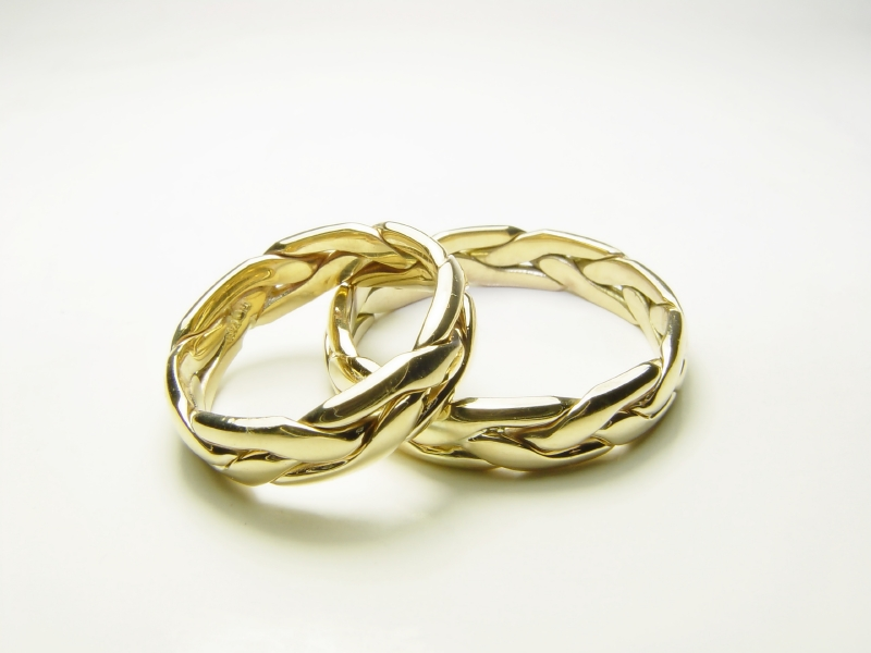 gold celtic wedding ring set
