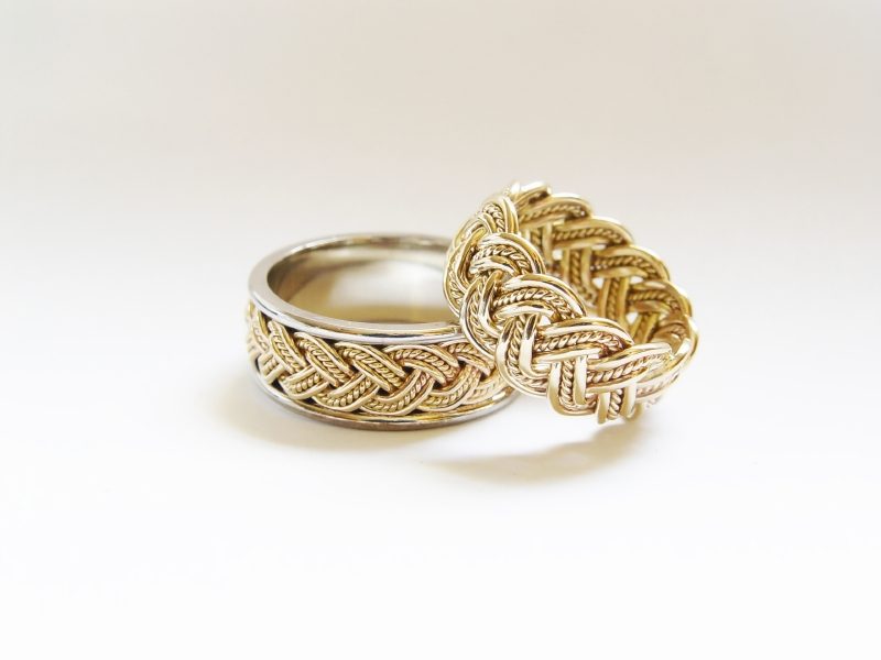 Gold irish wedding bands wedding rings pictures for Wedding rings bands